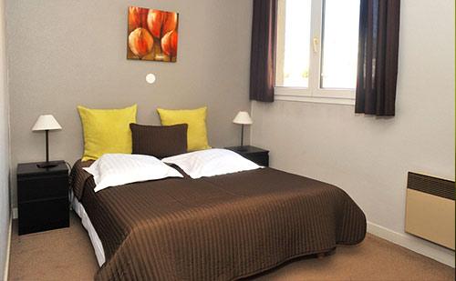 chambres d h tel et tarifs de r servation saint tienne en haute loire. Black Bedroom Furniture Sets. Home Design Ideas
